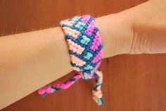 Yarn friendship bracelet