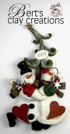 Ornamento de muñecos de nieve navideños en arcilla polimérica / polymer clay