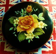 Vintage Coral Rose Kigu Powder Compact.