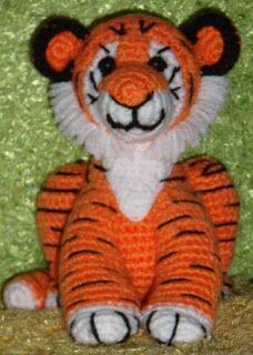 PATRONES AMIGURUMIS GRATIS: PATRON BENDER ROBOT Crochet-Toys Pinterest