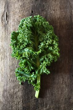 Looking to detox your skin? Kale is the answer! It contains large amounts of Vitamin C which plays a huge part in anti-aging.