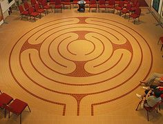 The Chislehurst Methodist Church labyrinth features separate inward and outward paths.