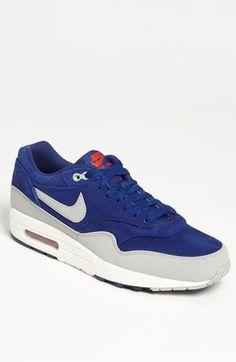 Nike Air Max 1 Premium Sneaker