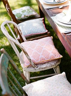 Cute mismatched seating