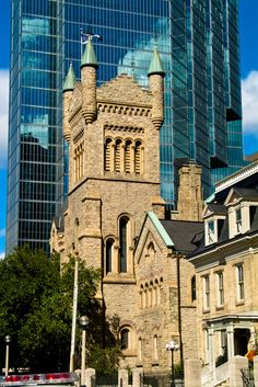 Saint Andrews Church - Toronto, Ontario, Canada | 22 Majestic Old Buildings Completely Dominating Modern Skylines  WE should totally do a church tour
