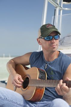 Kenny Chesney Launches Blue Chair Bay Rum