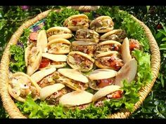 Stuffed Batbout with hot dogs-بطبوط معمر/Batbout Farcis aux saucisses