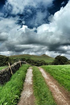 Peak District. Towards Shuttingslow by Gm8ty Photography
