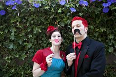 A retro red and teal wedding