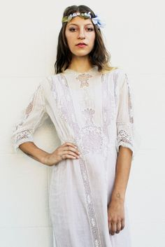 Beautiful Victorian Lace Dress - Tavin store