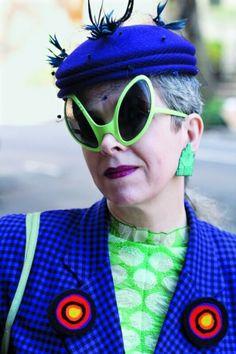 #Occhiali di insetto.  Le signore che #AriSethCohen fotografa dal 2008 per il suo blog #AdvancedStyle.