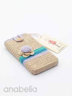 Smart phone crochet case by Anabelia