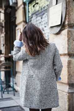 It's the season of the coat! We're admiring tweed textures for traveling to all of our holiday destinations.
