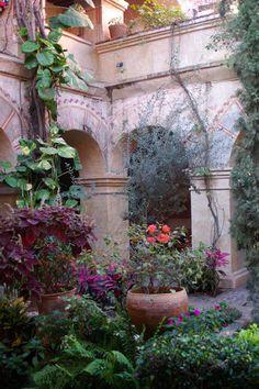 art inspir, beauti sit, secret garden, hacienda, courtyard gardens, patio, garden arches, place, inspir board