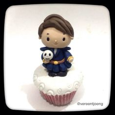 """Benedict Cumberbatch """"Hamlet"""" cupcake"""