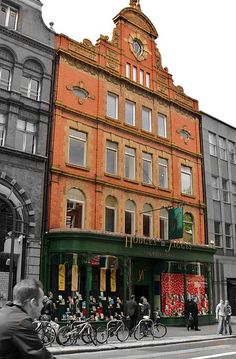 Hodges Figgis -the nicest bookshop in Dublin, on Dawson street
