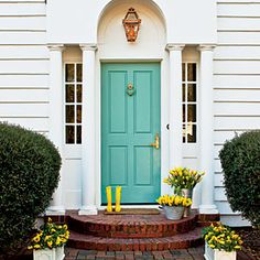Teal front door. Oh yes!