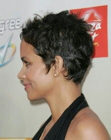 curly hairstyles, pixie haircuts, celebrity hairstyles, hall berri, short hairstyles, shorts, hair style, halle berry, berries
