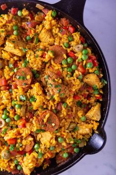 Chicken & Chorizo Paella made in a cast iron skillet. #paella #skillet