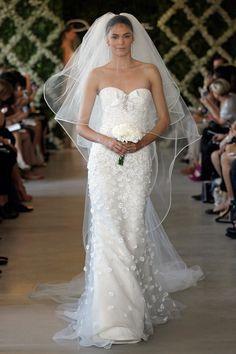 Oscar de la Renta 2013 White lace trumpet bridal gown