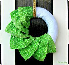 tousled day: Vijenac za vrata / Ruffly Spring wreath