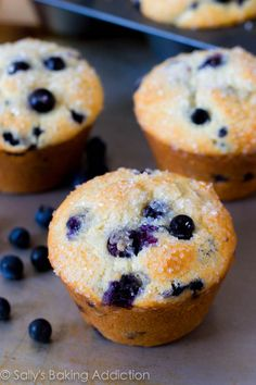 Skinny Banana Blueberry Muffins. - Sallys Baking Addiction #ripebananas