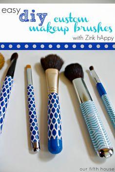 Easy DIY: Custom Makeup Brush Set