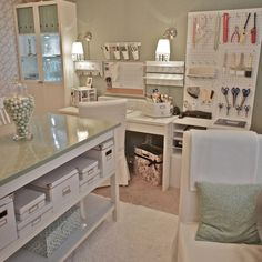 office/craft room/guest bedroom | recently transformed a guest bedroom into a home office/craft room.