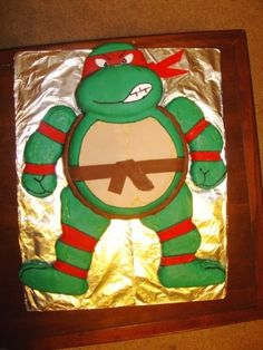 TMNT cake for my sons next bday he would love this  lol love it :)