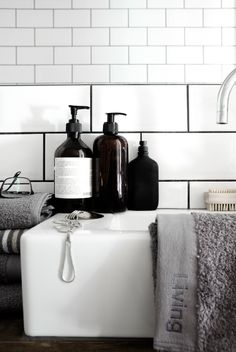 love white subway tile and black grout