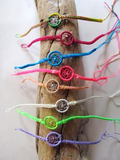 dream-catcher friendship bracelets. so cute.