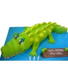 Crocodile/alligator cake