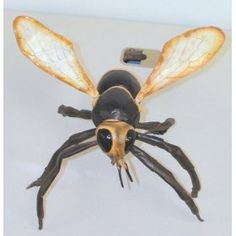 giant latex wasp as tracker jackers?