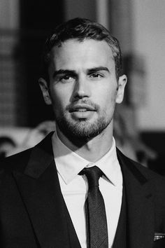 Theo James-he's perfect