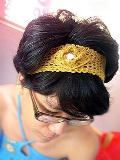 Free Pattern: One-Ball-of-Yarn Flower Headband