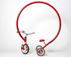 Loop Trike Sculpture / Sergio Garcia