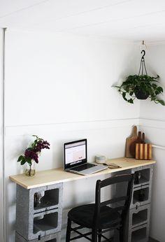 DIY: cinder block table