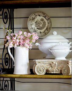 decor, vignett, shabbi chic, texa, white, bakers rack, fresh flowers, kitchen, baker rack