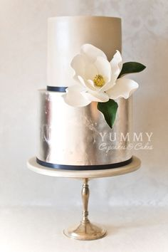 Metallic cake!