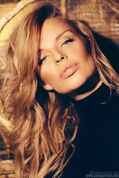 Bronze. #Makeup #MakeupArtist #Beauty #StudioGear