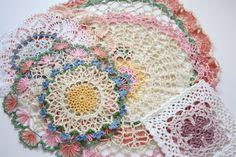 Cherry Heart: Dainty Doilies - links to free vintage patterns dainti doili, pattern sourc, cherri heart, vintage patterns, crochet loveli, heart doili, doilies, cherries, ravelry