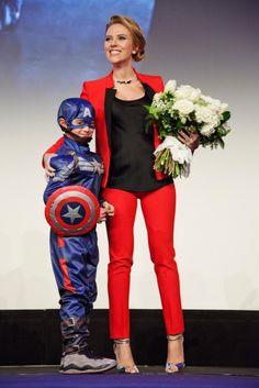 Tiny Cap and Scarlett Johansson at #CaptainAmerica premiere in Paris.