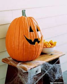 {Talking Pumpkin :: Use an old baby monitor} Seriously so brilliant and potentially hilarious.