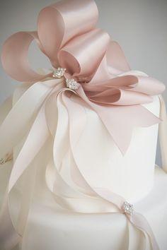 ♥ Beautiful cake topper