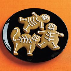 Fun for the kids to decorate! Gingerbread Skeletons. #Cookies #Dessert #Halloween