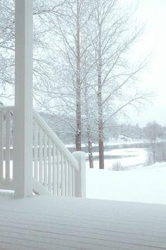 ♀ White Winter