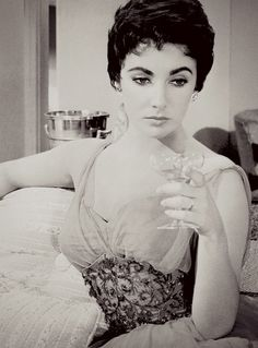 Elizabeth Taylor in 'The Last Time I Saw Paris', 1954.