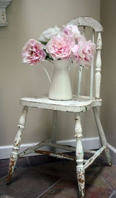 vintage chairs, white flowers, pink flowers, shabbi chic, antique chairs, shabby chic, old chairs, valentines day party, pink peonies