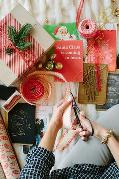 Image Via: Camille Styles wrap idea, holiday wrap, gift wrapping, wrap gift, wrapping gifts, christma tree, wrapping presents, holiday crafts, christmas wrapping