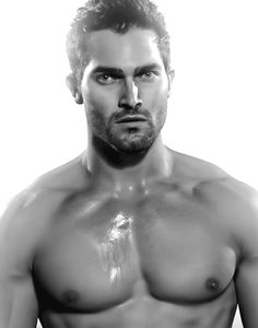 tyler hoechlin sssshirtless?! theee amount of fuckageee i would do to thissss mannn is crazayyy!